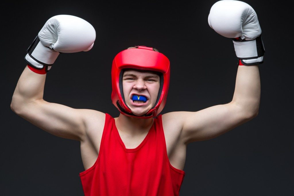 amatuer boxer wearing mouthguard